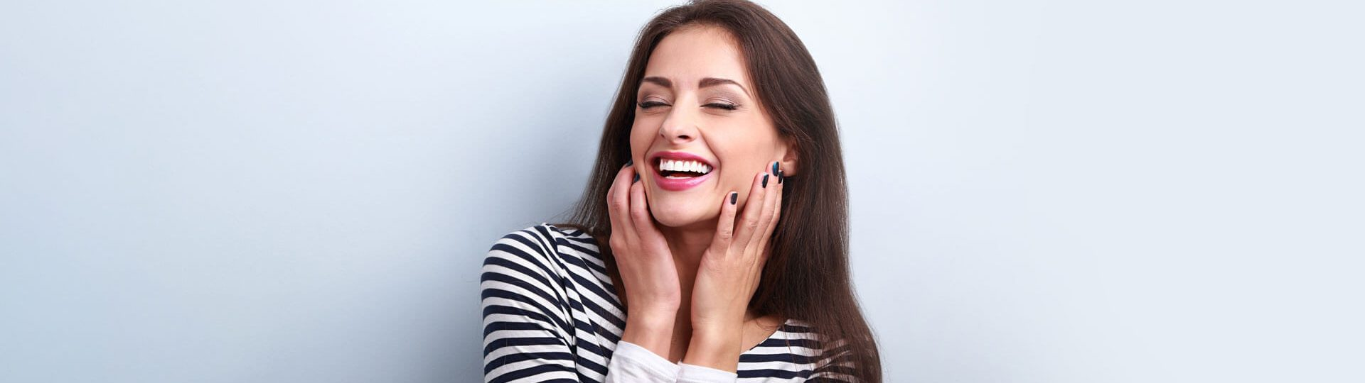How Can Teeth Whitening Help in Striking Good First Impression?
